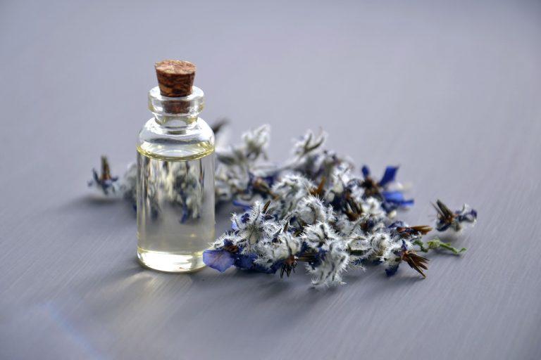 Parfumul în produsele pentru îngrijirea tenului
